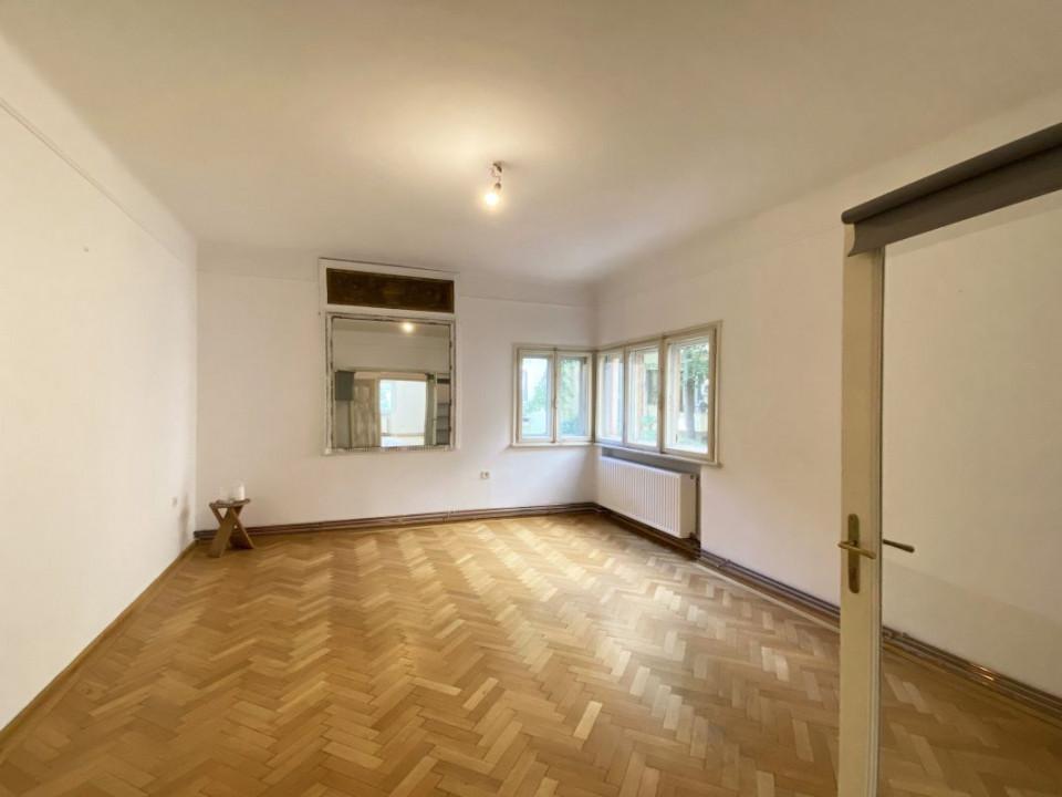 Piața Romană | 4 camere | Tavan înalt | Rezidential / Birou / Showroom