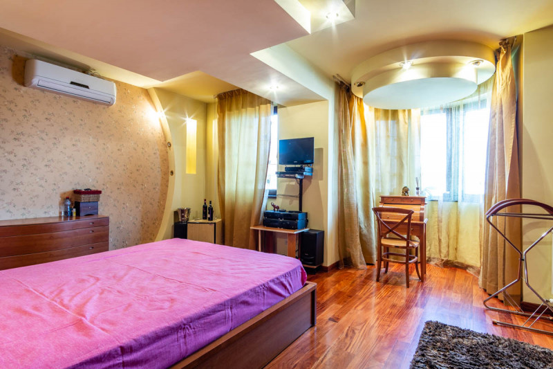 The Mustang House - Dobroesti