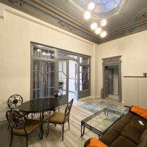 Apartament 3 camere amenajat in stil clasic, prima inchiriere