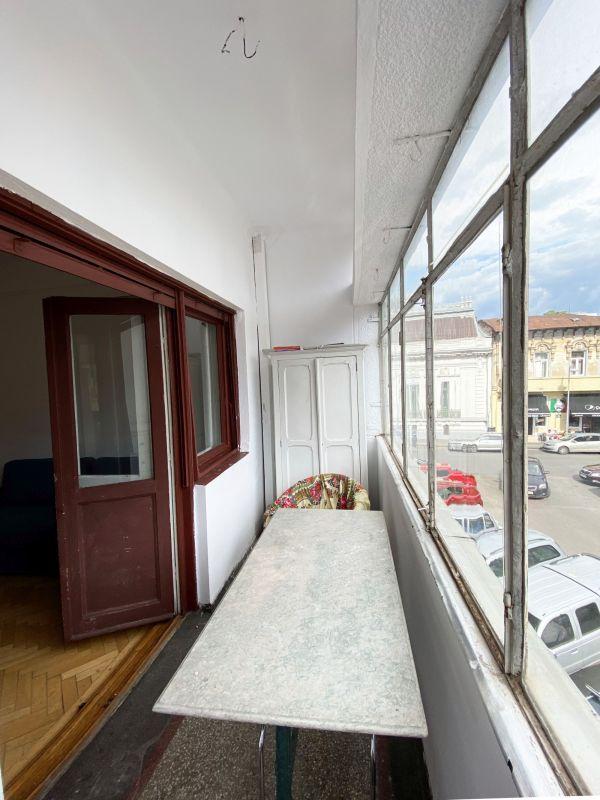 Piața Romană   4 camere   Tavan înalt   Birou   Showroom