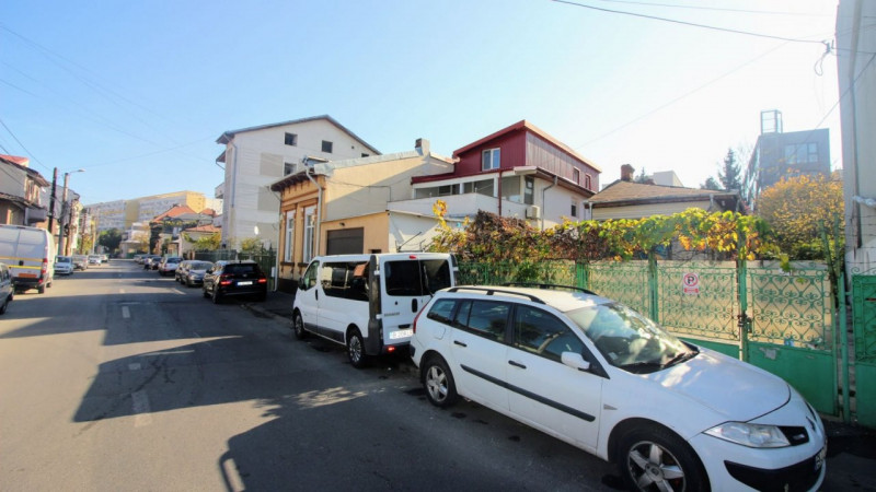 MOSILOR - FOISOR, STR.CALUSEI, CASA SINGUR CURTE, TEREN 350 MP