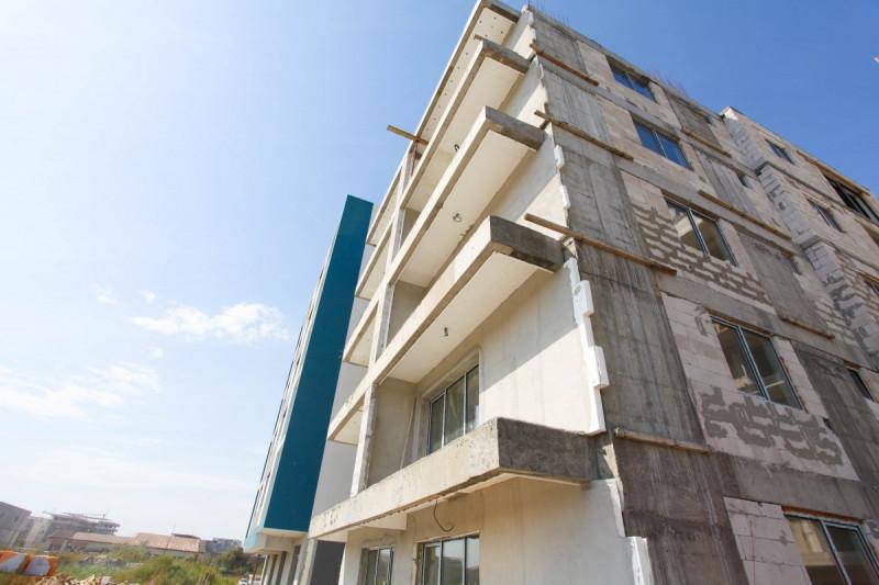 Apartament de vanzare pe malul marii, Mamaia Nord, finisaje de lux