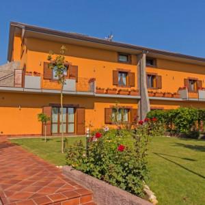FALEZA NORD - Vila grandioasa in cartier privat exclusivist!