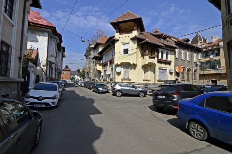 Apartament in vila superba pe o strada deosebita.