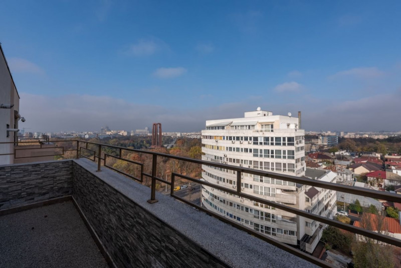 Penthouse cu terasă și vedere deosebită Tineretului