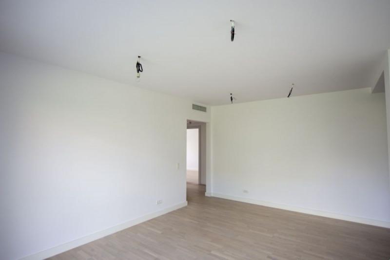 Apartament nou cu 4 camere terasa si curte