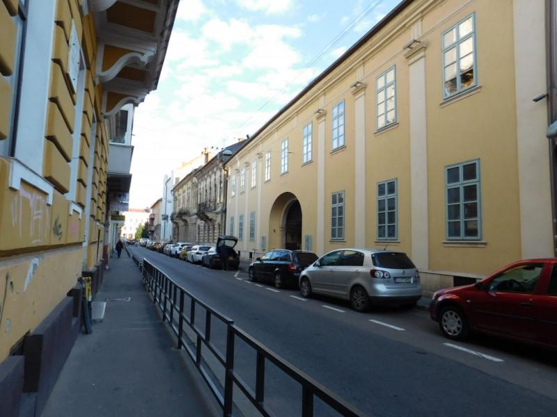 Apartament 2 camere demisol, Centru istoric Cluj, strada Iuliu Maniu